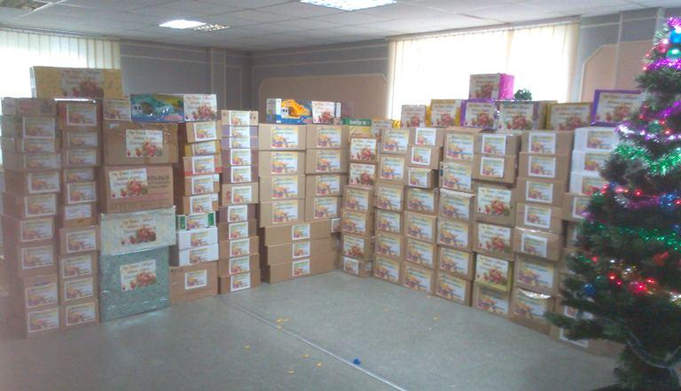 Омичи передадут сирийским детям почти 4 тонны новогодних подарков