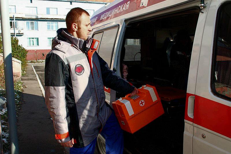 В Кормиловке на мальчика упали футбольные ворота