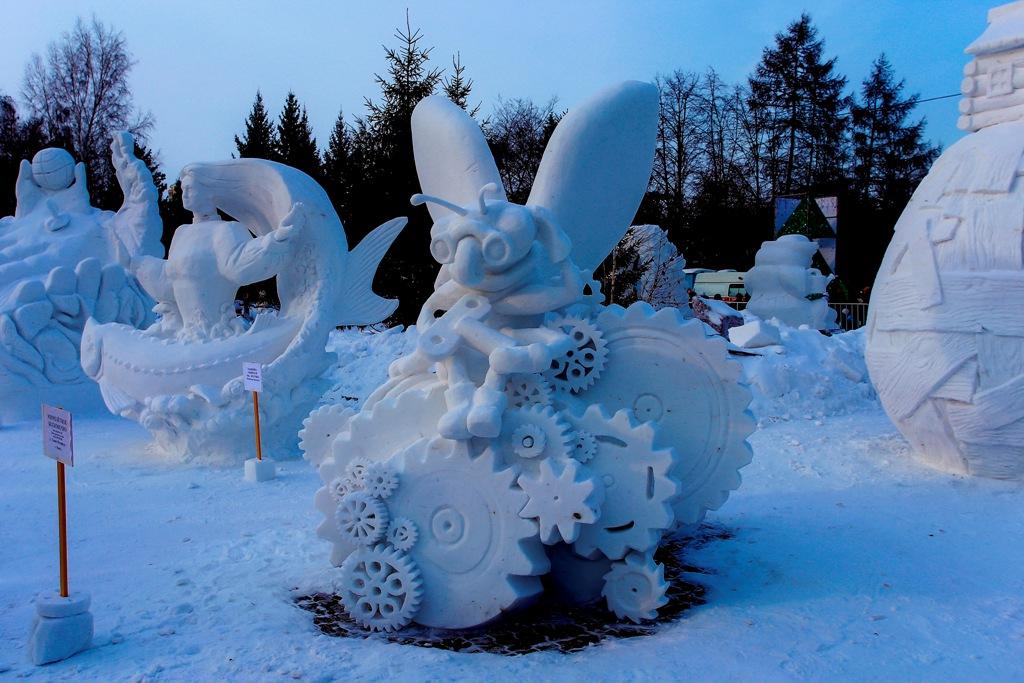 Снежные скульпторы из Омска стали призерами фестиваля в Новосибирске [ФОТО]