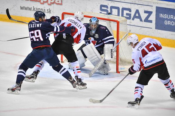 Первую победу навыезде омский «Авангард» одержал над «Слованом»