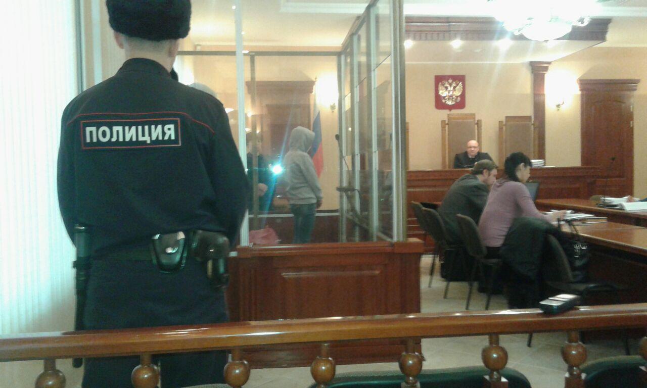 Родители омичей, погибших от рук секретаря суда и ее сообщника, требуют 9 млн рублей [ФОТО]
