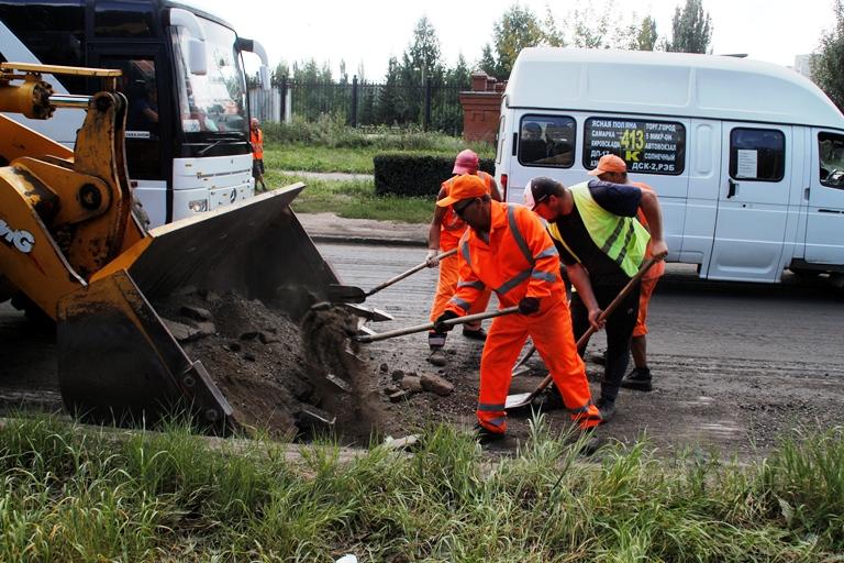 Сделанные в Омске дороги снова будут ремонтировать весной
