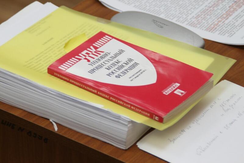 Омского бизнесмена будут судить за зарплаты «в конвертах»
