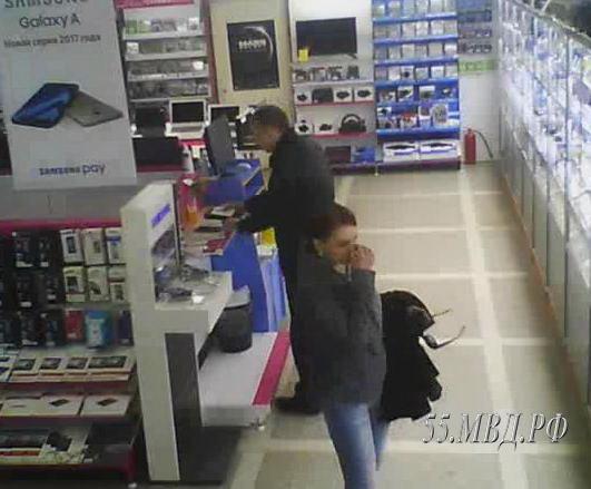 ВОмске серийный мошенник изсупермаркетов вконце концов попался накамеру видеонаблюдения