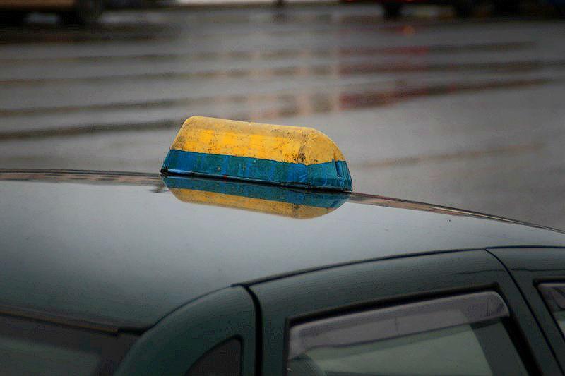 Омские таксисты выходят на работу пьяными и на неисправных автомобилях