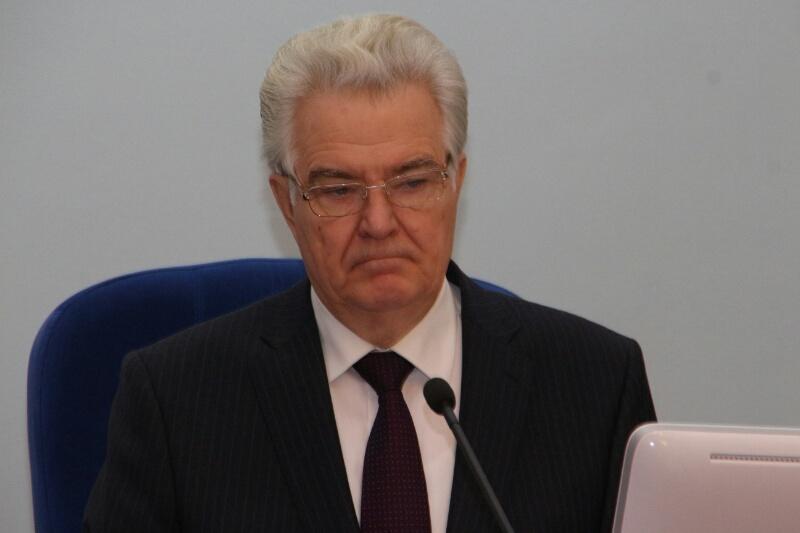 Варнавский в Москве рассказал, как Омская область борется с кризисом