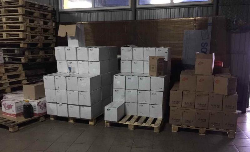 Уроженцы Азербайджана в Омске под видом водки продавали смертельно опасный технический спирт
