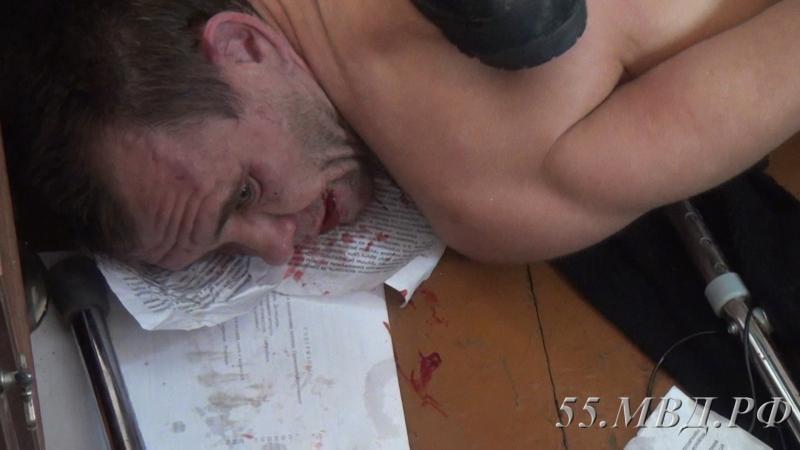 Появились фото специализированной операции поосвобождению девушки, взятой зэком взаложницы вОмске