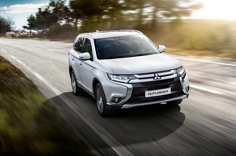 Mitsubishi предлагает сэкономить россиянам при покупке внедорожников class=