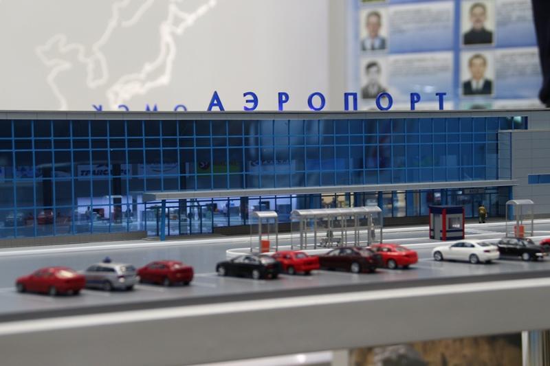 8e5b0f709197 Омский аэропорт эвакуировали из-за подозрительной сумки