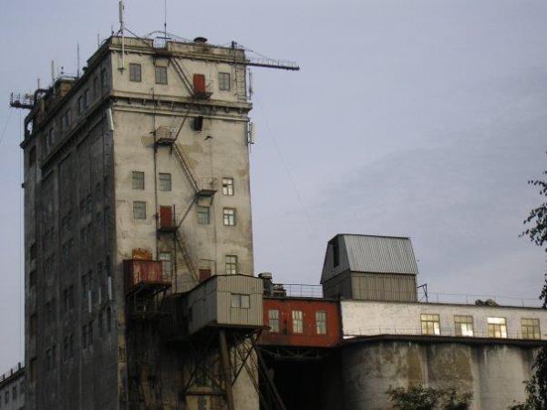 Элеватор старый кировск омск загрузочный бункер конвейера