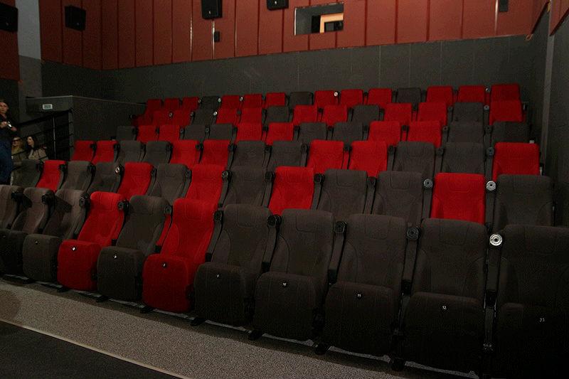 В Омской области хотят открыть кинотеатры, рестораны и разрешить массовые мероприятия