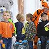 Омичи помогли собрать в школу детей из 1 700 многодетных и неполных семей